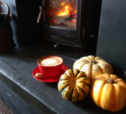 Little Haven, UK: Lovely Coffee next to the fires
