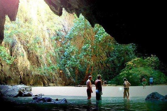 Excursão à Caverna Morakot (Caverna...