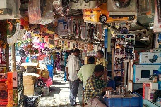 チェンナイのショッピングとバザールのトレイル