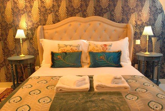 """Epargnes, Франция: La chambre """"Paradis"""" avec lit king."""