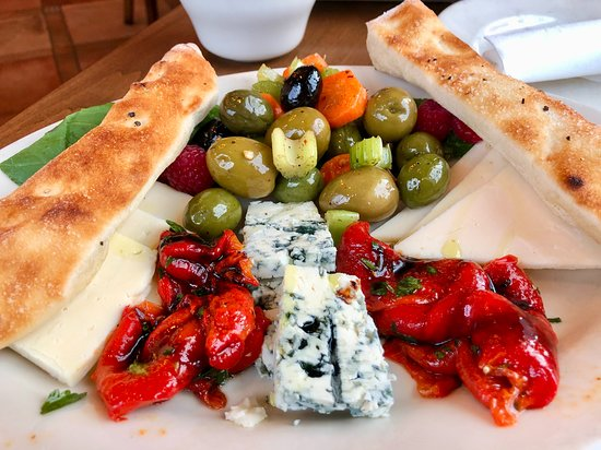 Highland Heights, OH: Piatto di Formaggi (Cheese Plate)