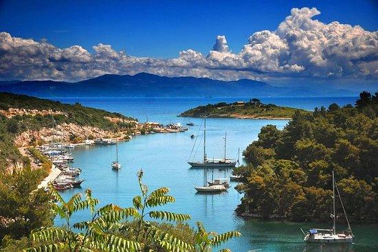 Croisière partagée d'une journée de Corfou au village de Paxos-Gaios...