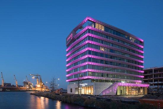 Moxy Amsterdam Houthavens