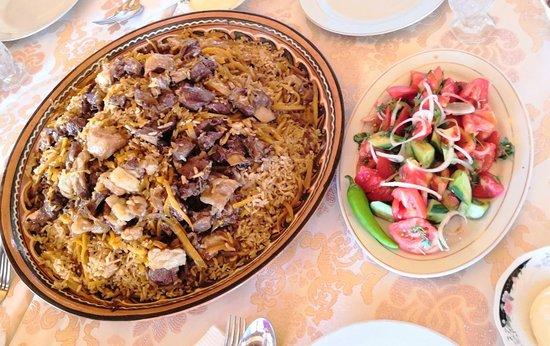 Penjikent, Tadzjikistan: Нереально вкусный плов по-пенджикентски!