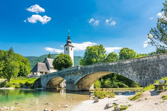 PRIVATE TOUR Lake Bled and Bohinj...