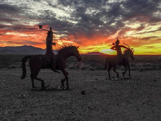 Yucca, AZ: Sunset at the Stagecoach Trails