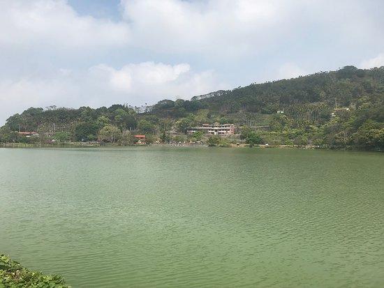 Ci lin Lake: 青山綠水