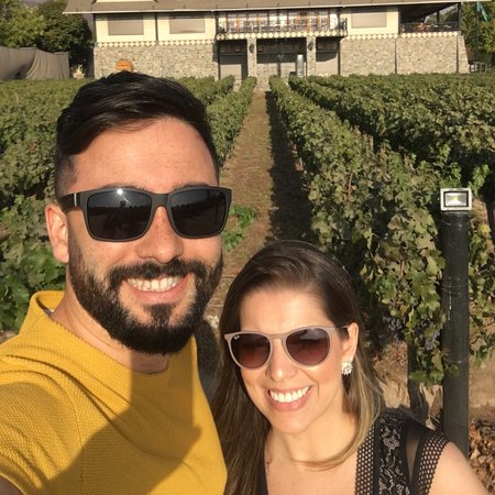 Que lugar maravilhoso! Sem palavras para expressar a experiência que tivemos. Uma aula sobre vinhos, parreiras, história familiar e um bom jantar com open vinho!