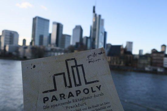 Von Escape Rooms inspiriert: ParaPoly - Das Stadtabenteuerspiel