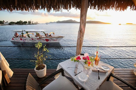 Bora Bora Sunset Cruise en diner in ...