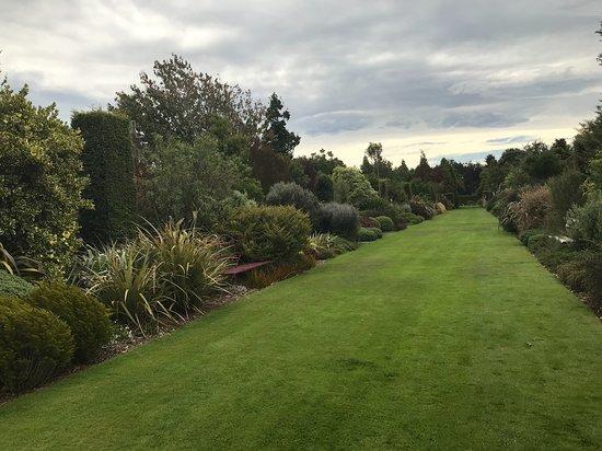 Broadfield Garden