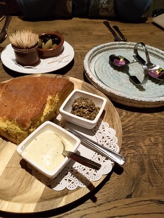 Diffelen, Belanda: Heerlijk warm breekbrood met tapenade