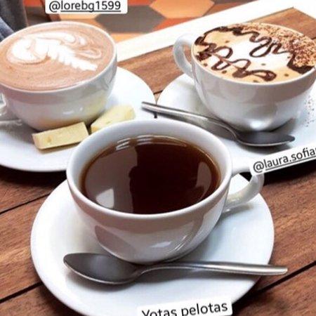 Agua de panela, cacao con queso o un mokaccino para  una buena tarde con amigos😁 te esperamos.