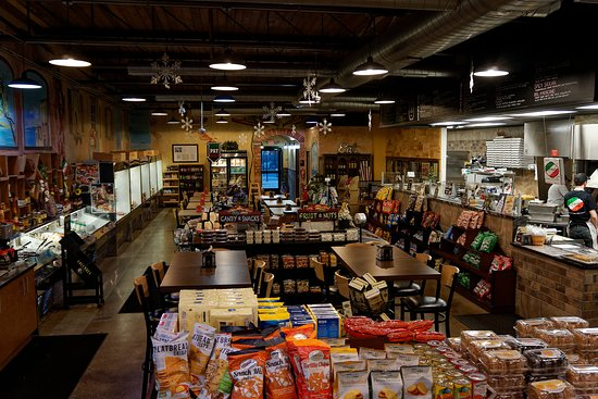 Grosse Pointe Woods, MI : Interior view of the Market.