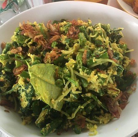 Bukti, Indonesia: Bali salad