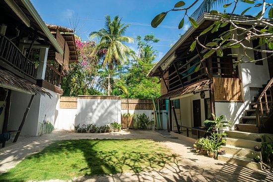 Matanjak Tropical Guesthouse Siargao