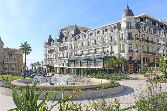 Façade de l'Hôtel de Paris