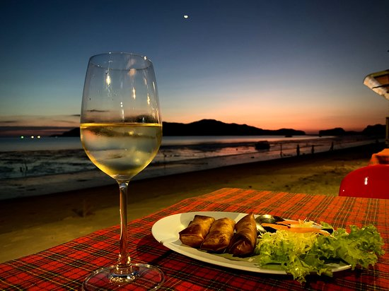Pak Nam, Таиланд: Enjoy the good seafood with great seaview