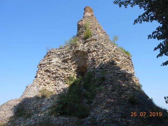 Pyramide de Couhard: resten van de pyramide