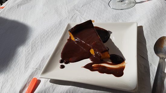 Beniali, Spain: Tarta casera de Calabaza con chocolate caliente