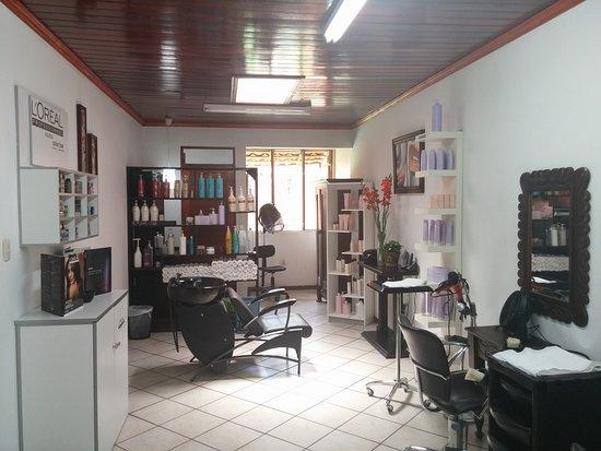 Province of Alajuela, Costa Rica: Peluquería , nuestros profesionales le haran la mejor recomendación en cabello , Manicura y Pedicura