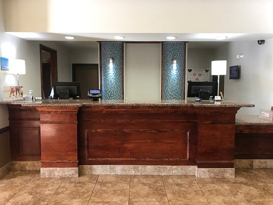 Holiday Inn Express & Suites Barstow-Outlet Center