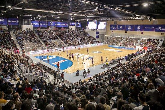 Cesson-Sevigne, France: Match de Handball du club résidant : le CRMHB