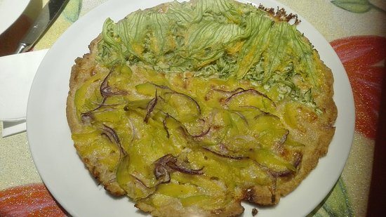Aquilea, Italija: frittata with courgette flowers