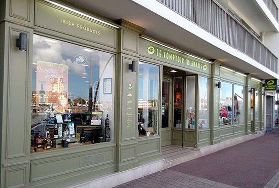 Cherbourg-Octeville, فرنسا: Le Comptoir Irlandais de Cherbourg vous accueille au cœur de l'Irlande et des produits celtes à travers sa cave, sa collection textile, son épicerie et ses accessoires pour la maison !