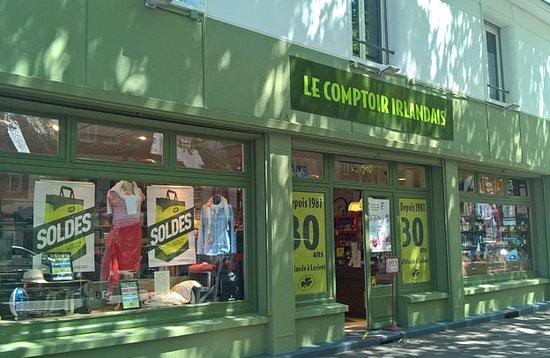 Le Comptoir Irlandais de Lorient vous accueille au cœur de l'Irlande et des produits celtes à travers sa cave, sa collection textile, son épicerie et ses accessoires pour la maison !