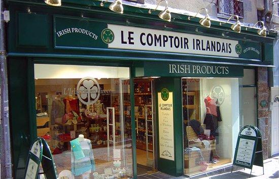 Saint-Brieuc, ฝรั่งเศส: Le Comptoir Irlandais de Saint Brieuc vous accueille au cœur de l'Irlande et des produits celtes à travers sa cave, sa collection textile, son épicerie et ses accessoires pour la maison !