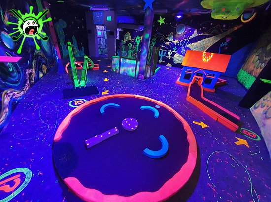 Extreme Mini Glowlf World
