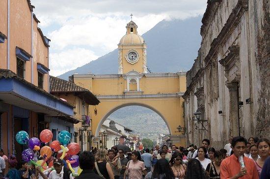 Guatemalan Tour Guide Day Tours