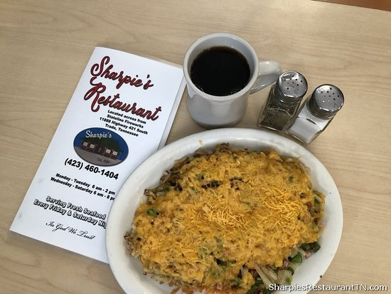 Trade, TN : Serving Breakfast at Sharpie's Restaurant