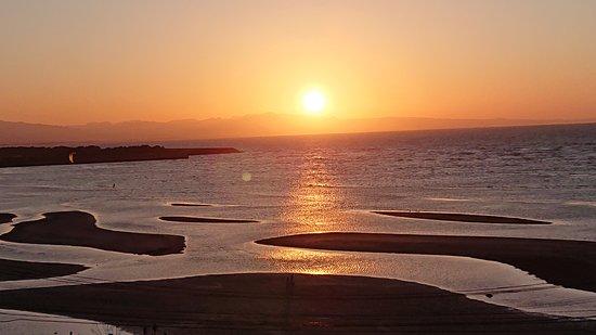 夕陽が沈む独特の風景
