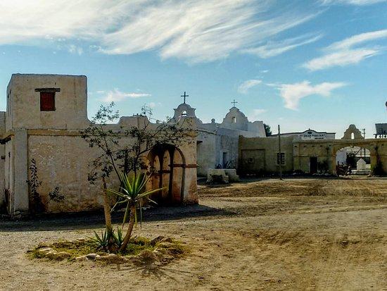 Province of Almeria, สเปน: Almería, Fort Bravo. Escenario donde se rodaron películas del oeste, indios y vaqueros. Almeria, Fort Bravo. Scenario where Western movies were shot, Indians and cowboys.