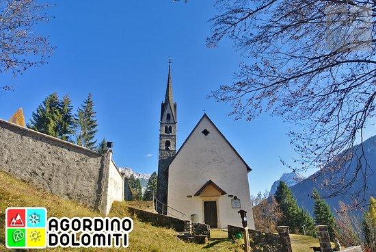 Vallada Agordina, Italien: Agordino - Dolomini - Chiesa di San Simon di Vallada