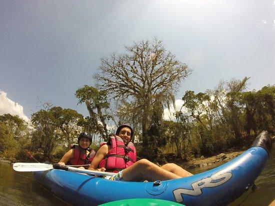 San Gil, Colômbia: Sitio unico y especial que permite una fotografia del atardecer santandereano desde el majestuoso y rapido Rio Fonce