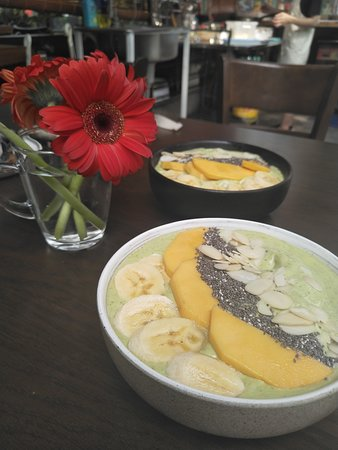 Район Хоалы, Вьетнам: Green smoothie bowls - healthy morning