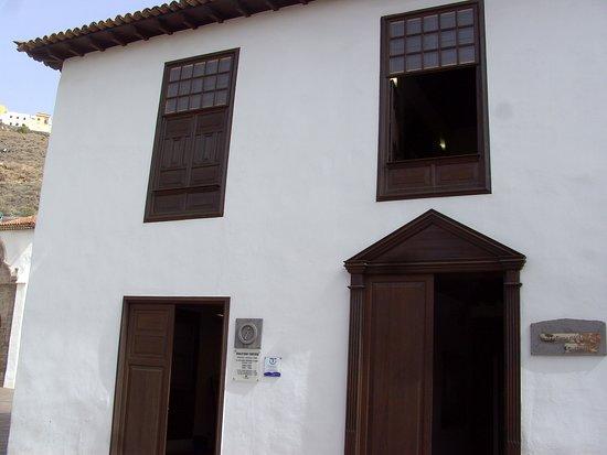 La Gomera, Гватемала: Aussen-Ansicht: Casa Bencomo: Tourist-Information: