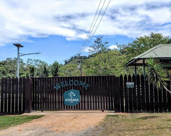 Brokopondo District, ซูรินาเม: Resort entry.