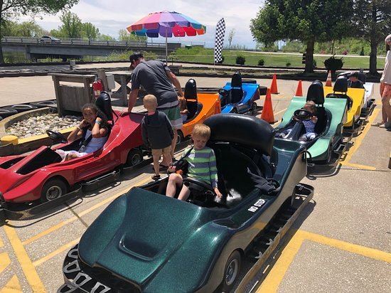 North Muskegon, MI: Spin around the swerving track with the biggest smile on your face!