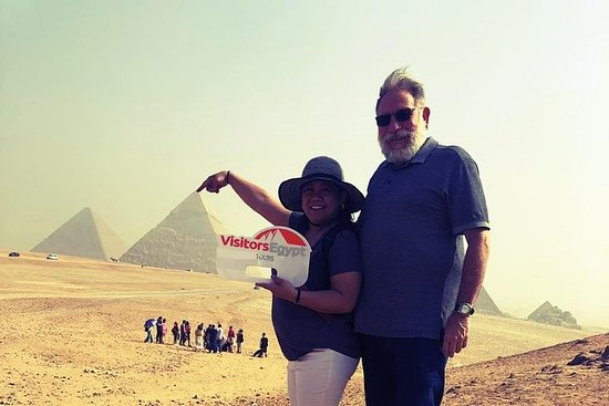 Day Tour to Pyramids and Sphinx...