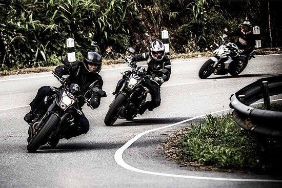 Excursion de 3 jours en moto dans le triangle d'or magique au départ...