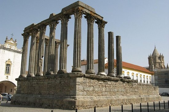 Tour Évora Monuments ( Wines Cartuxa)