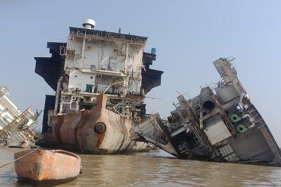 Explorez la visite du chantier naval, y compris la visite de la ville...