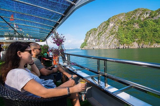 Halong Bay Full Day Tour : Cruise...