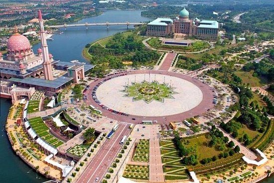 Putrajaya Full Day Tour (Per Vehicle)