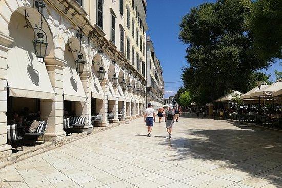 Foto Corfu Old Town Walking Tour: Historic Buildings & Great Personalities