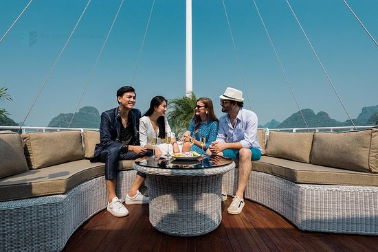Amazing Ha Long & Lan Ha Bay Luxury Day...